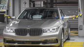 2016 BMW 7 Series front quarter unveiled in Munich