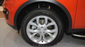 Land Rover Discovery Sport alloy wheel at the 2015 Gaikindo Indonesia International Motor Show (2015 GIIAS)