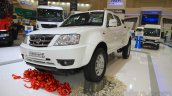 Tata Xenon XT 2.2 front quarter at the 2015 Gaikindo Indonesia International Auto Show