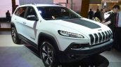 2015 Jeep Cherokee Trailhawk front three quarter at the IAA 2015