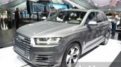 Audi Q7 e-tron quattro front three quarter at the IAA 2015