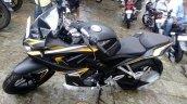 Bajaj Pulsar RS 200 yellow matte black paint job