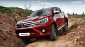 Euro-spec 2015 Toyota Hilux front quarter (1) unveiled