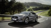 Infiniti Q30 in motion official image