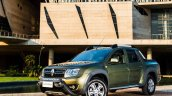 Renault Duster Oroch (Duster pick-up) front three quarter (1) launched in Brazil