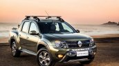Renault Duster Oroch (Duster pick-up) front three quarter launched in Brazil