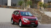 2015 Mahindra XUV500 front quarter launched in South Africa