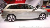 2016 Audi Q7 e-tron side at the 2015 Tokyo Motor Show