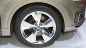 2016 Audi Q7 e-tron wheels at the 2015 Tokyo Motor Show