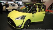 Toyota Sienta Cross front quarter at the 2015 Tokyo Motor Show