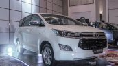 2016 Toyota Innova white front quarter right world premiere photos