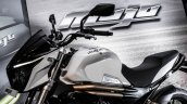 Mahindra Mojo white colour review