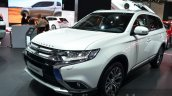 2016 Mitsubishi Outlander front three quarters at 2015 Frankfurt Motor Show