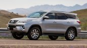 2016 Toyota SW4 (Fortuner) front launched in Argentina