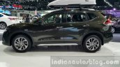 Nissan X-Trail side at 2015 Thai Motor Expo