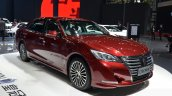 Toyota Crown front three quarters 1 at 2015 Shanghai Auto Show