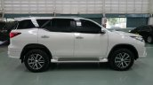 Toyota Fortuner Fiar FD-2LS (Luxury Sport) bodykit white side Thailand