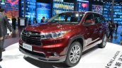 Toyota Highlander front three quarters at the 2015 Shanghai Auto Show
