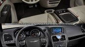 2017 Chrysler Pacifica vs. 2016 Chrysler Town & Country interior dashboard