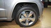 Jeep Grand Cherokee wheel at Auto Expo 2016