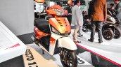 Mahindra Gusto 125 front quarter at Auto Expo 2016