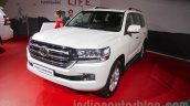 2016 Toyota Land Cruiser front right three quarter at Auto Expo 2016