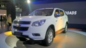Chevrolet Trailblazer (Auto Expo 2016) front three quarters