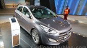 Hyundai i30 front three quarters left at 2016 Auto Expo