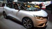 2016 Renault Scenic front three quarter at the 2016 Geneva Motor Show Live