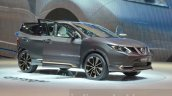Nissan Qashqai Premium Concept front three quarters left at the Geneva Motor Show 2016