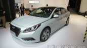2016 Hyundai Sonata Hybrid front three quarters at Auto China 2016