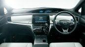2016 Toyota Estima Hybrid (facelift) dashboard