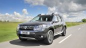 2017 Dacia Duster front three quarters in motion
