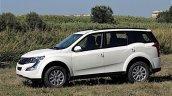 Mahindra XUV500 facelift front three quarters Kenyan launch