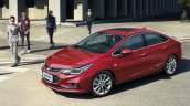 China-spec 2017 Chevrolet Cruze front three quarters