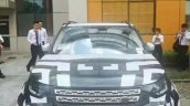 2017 Land Rover Discovery front spy shot