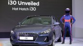 2017 Hyundai i30 front three quarters