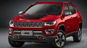 2017 Jeep Compass Trailhawk front quarter unveiled