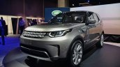 2017 Land Rover Discovery front three quarters