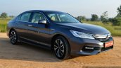 2017 Honda Accord Hybrid front three quarter right review