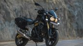 Mahindra Mojo Tourer Edition front three quarters right side standstill