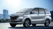 South African-spec Toyota Avanza front three quarters