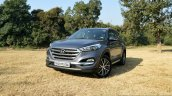 2016 Hyundai Tucson front quarter far Review