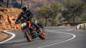 2017 KTM Duke 390 front three quarters left side