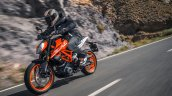 2017 KTM Duke 390 front three quarters