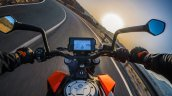 2017 KTM Duke 390 instrument panel and handlebar