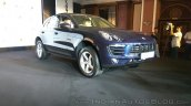 Porsche Macan R4 front three quarters right side