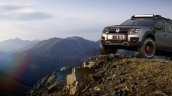 Renault Duster Extreme Concept front three quarters scenic