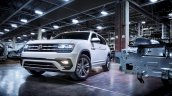 2018 VW Atlas R-Line front three quarters left side