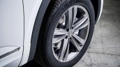 2018 VW Atlas R-Line wheel second image